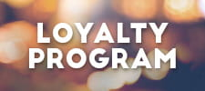Un cartello con la scritta Loyalty Program.
